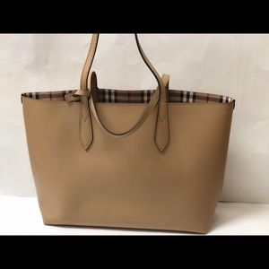 Burberry Medium Reversible Leather Tote- Mid Camel